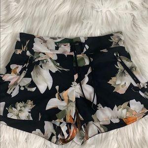Athleta Black Floral Print Shorts Size 4